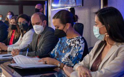 Expertos estadounidenses capacitan a equipo público-privado ecuatoriano y se reactiva la Ruta del Exportador