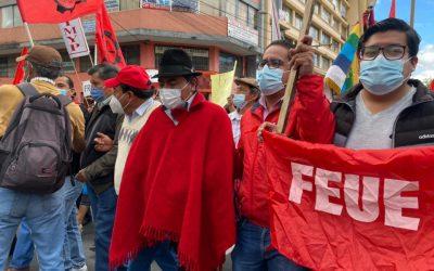 Iza lidera marcha contra aumento del precio de combustibles