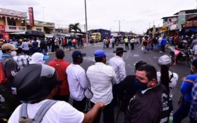 Sectores sociales inician protestas con cierre de vías en 4 provincias del Ecuador